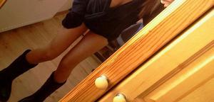 Niki is looking for adult webcam chat