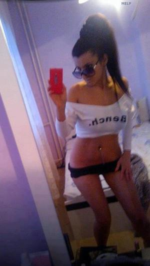 Celena from Preston, Washington is looking for adult webcam chat