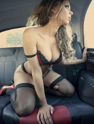 Aura from Stuart, Virginia is looking for adult webcam chat