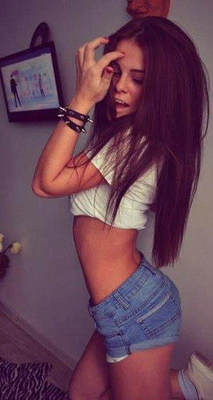 Sharell from Walthourville, Georgia is looking for adult webcam chat
