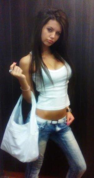 Looking for local cheaters? Take Kellee from Providence, Rhode Island home with you