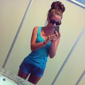 Sybil from Kansas is looking for adult webcam chat