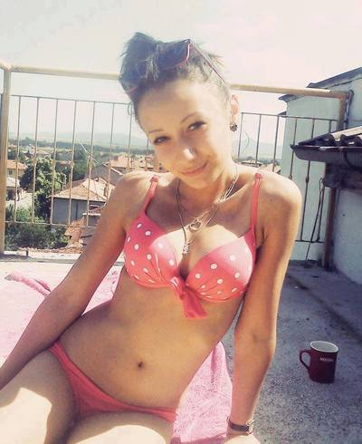 Kathe from Warwick, Rhode Island is looking for adult webcam chat