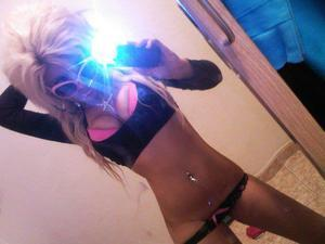 Looking for local cheaters? Take Ivonne from Kingsley, Iowa home with you