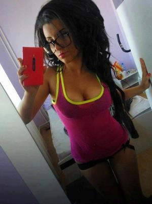 Kristel from Kentucky is looking for adult webcam chat