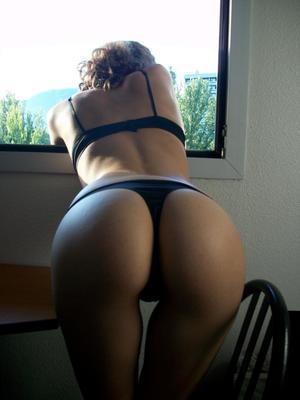 Queenie from Bozrah, Connecticut is looking for adult webcam chat
