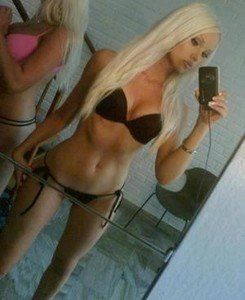 Looking for local cheaters? Take Joannie from Fountain Valley, California home with you
